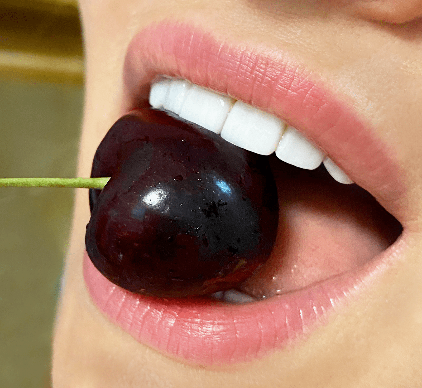 cherry-on-tooth